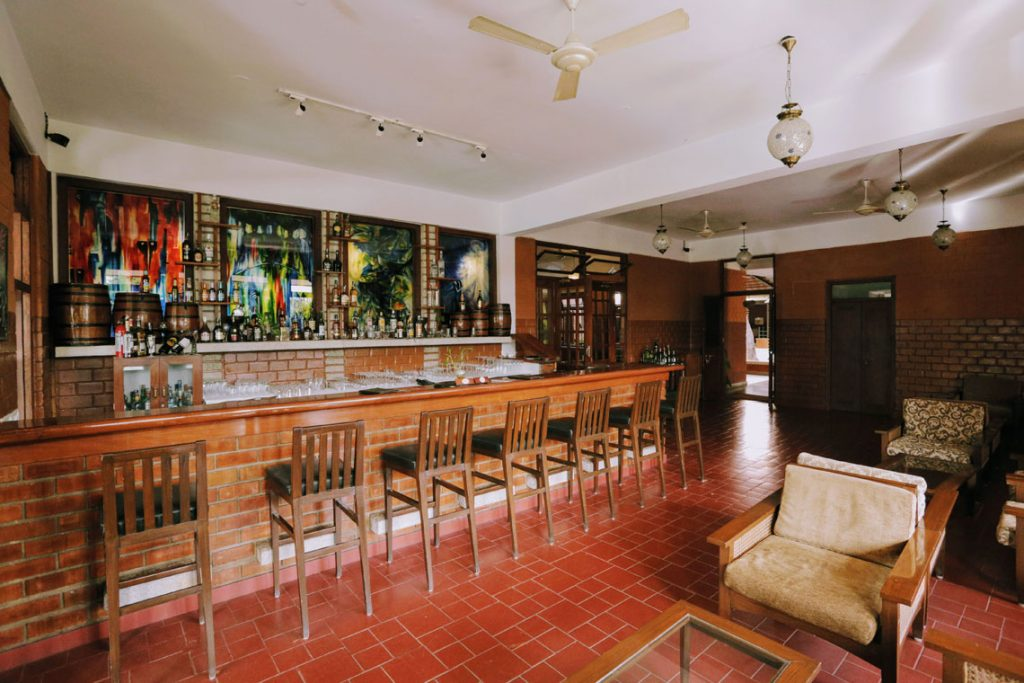 HIC-Bar-Lounge-Olde-Bangalore-resort-Wellness-Center-near-Airport